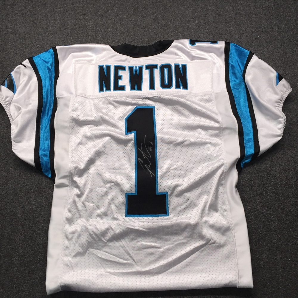 newest e1ab3 f03a7 NFL Auction | Panthers - Cam Newton Signed Authentic Jersey ...