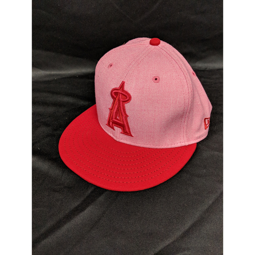 Photo of Andrelton Simmons Game-Used 2018 Mother's Day Cap