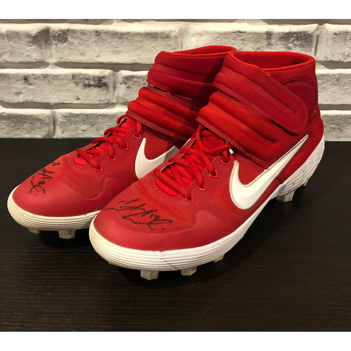 Photo of Curt Casali -- *Autographed* Pair of Cleats -- Size: 13