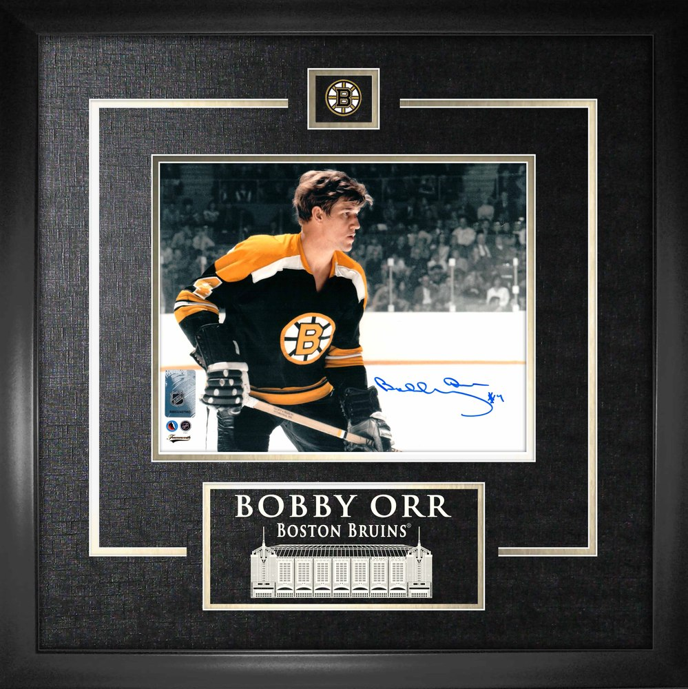 Bobby Orr - Signed & Framed 8x10 Etched Mat Bruins Close-Up Frame