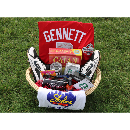 Photo of 2018 Reds Favorite Things Auction: Scooter Gennett, Curt Casali, Anthony DeSclafani