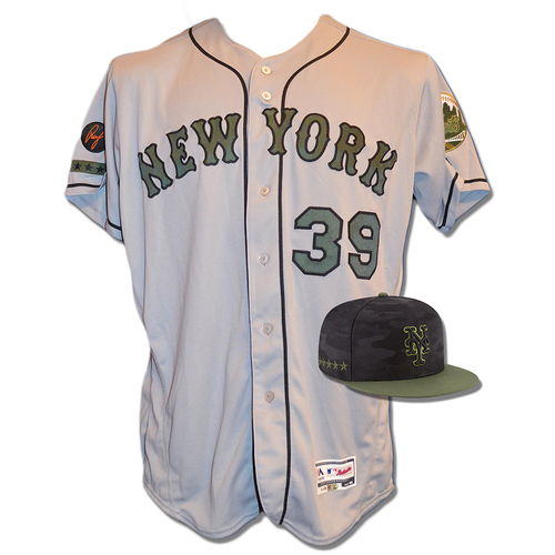 Photo of Jerry Blevins #39 - Game Used Road Grey Memorial Day Jersey and Hat - Mets vs. Braves - 5/28/18