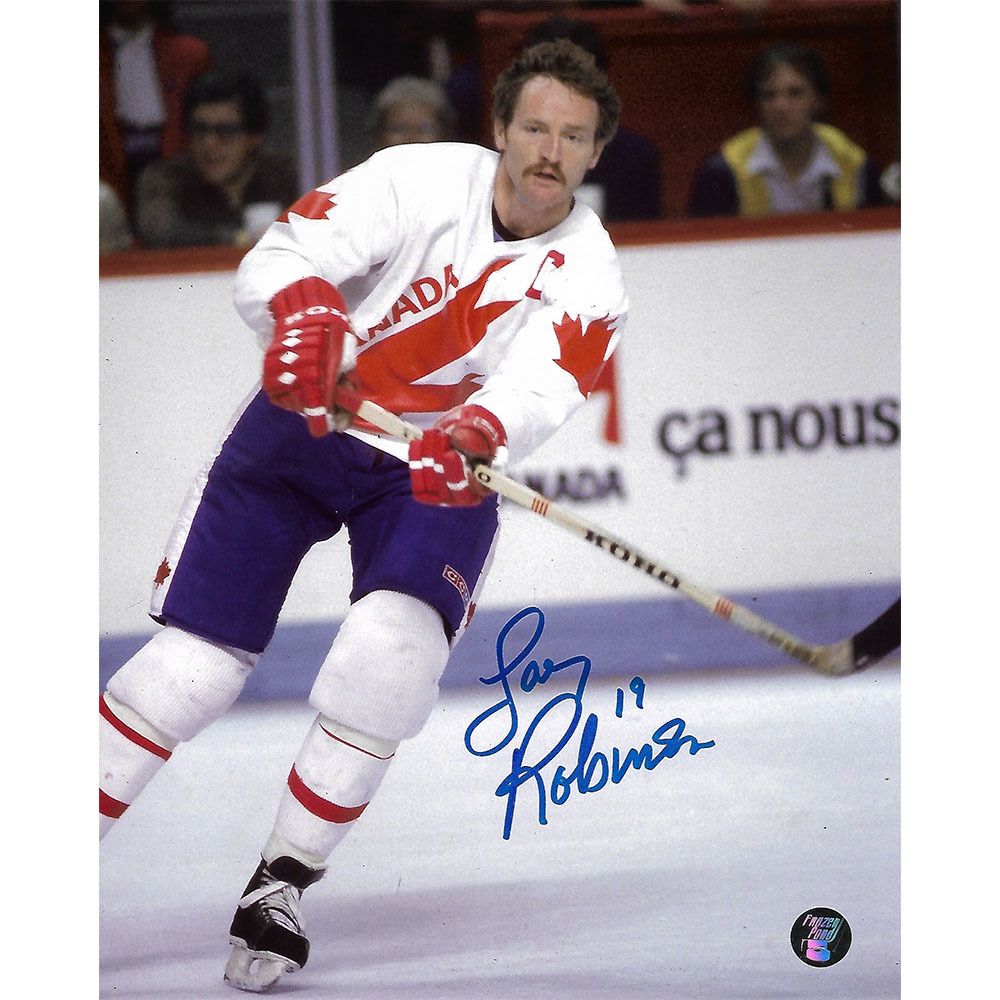 Larry Robinson Autographed Team Canada 8X10 Photo (Montreal Canadiens)