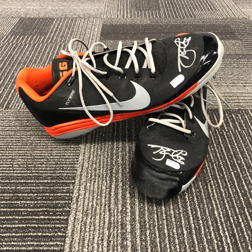 Photo of 2018 Autographed Team Issued Cleats - #56 Tony Watson - Size 14
