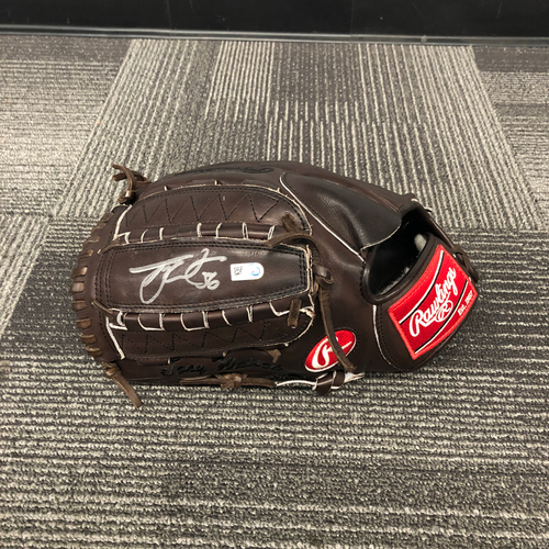 Photo of 2018 Team Issued & Autographed Mitt - #56 Tony Watson