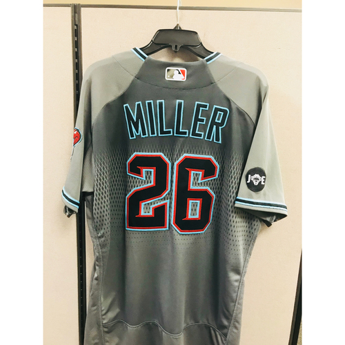 Photo of 2016 Team-Issued Shelby Miller Jersey