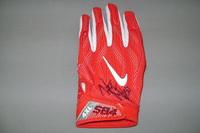 CRUCIAL CATCH - CHIEFS JUSTIN HOUSTON SIGNED AND GAME USED GLOVE (OCTOBER 15, 2017)