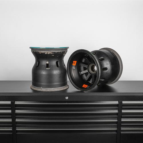 Photo of Sahara Force India 2015 Rear Wheel Rim Table Duo
