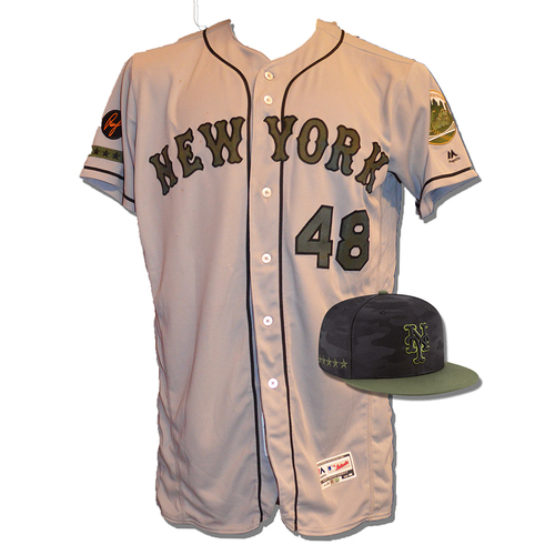 Photo of Jacob deGrom #48 - Game Used Road Grey Memorial Day Jersey and Hat - deGrom 7 IP, 8 K's, 1 ER - Mets vs. Braves - 5/28/18