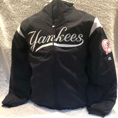 Photo of UMPS CARE AUCTION: New York Yankees Majestic Therma Base Jacket Size Large