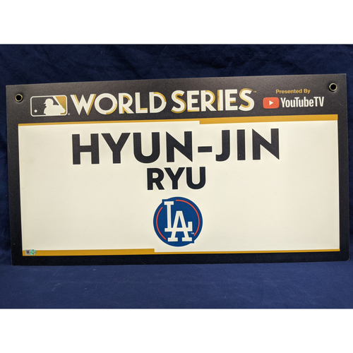 Photo of Team-Issued Hyun-Jin Ryu 2017 World Series Media Sign