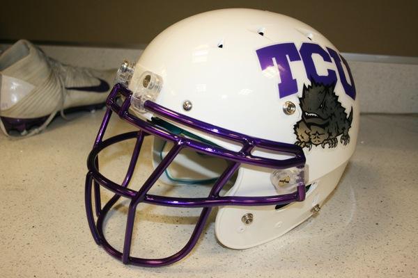 Photo of Pro Gloss White Schutt® Helmet
