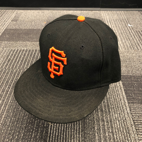 Photo of 2015 Game Used Regular Season Cap worn by #45 Alejandro De Aza - Size 7