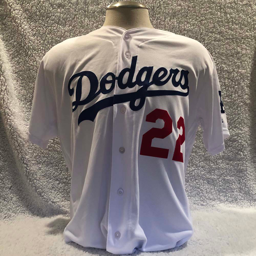 Photo of UMPS CARE AUCTION: Clayton Kershaw Los Angeles Dodgers Jersey, Size 48