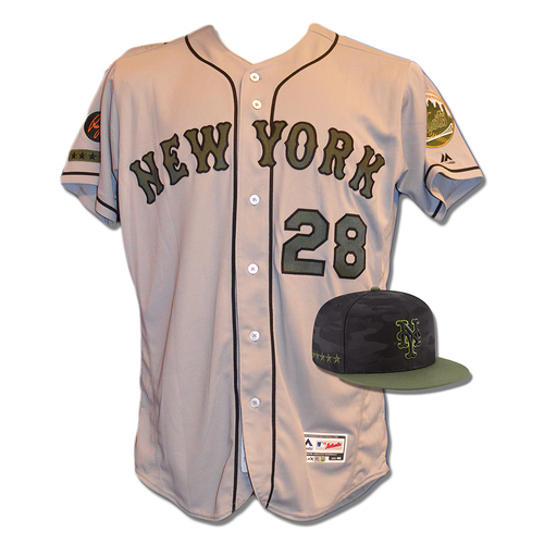 Photo of Phillip Evans #28 - Game Used Road Grey Memorial Day Jersey and Hat - Mets vs. Braves - 5/28/18