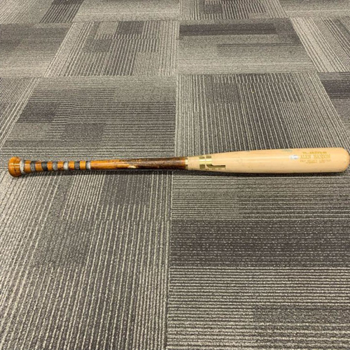 Photo of End of Year Auction - 2018 Game Used Broken Bat used and broken on 4/29/18 vs LAD by #19 Alen Hanson