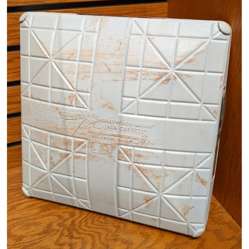 Photo of September 26, 2014 New York Yankees vs. Boston Red Sox 'Jeter Final Weekend' Game Used 3rd Base