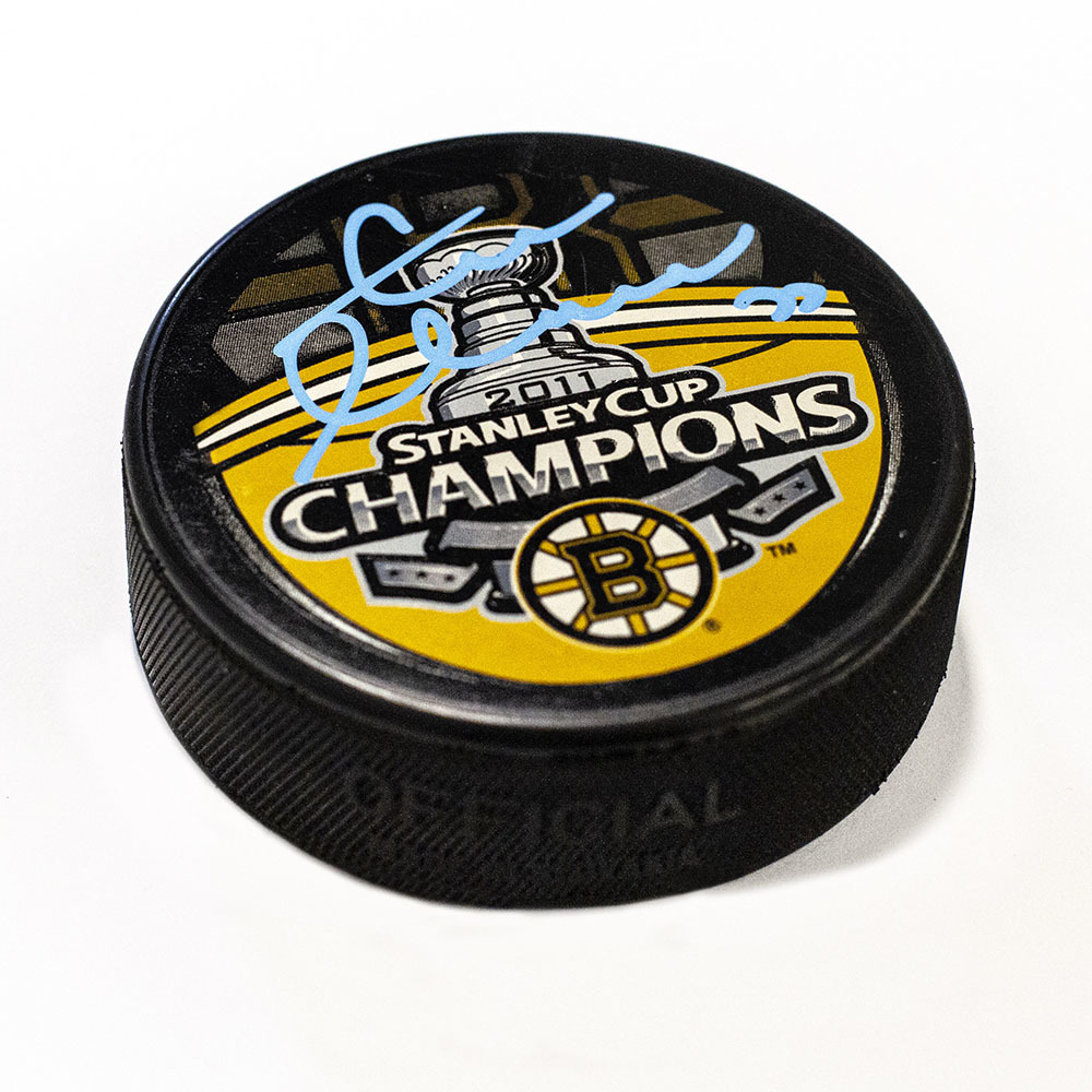 Zdeno Chara Boston Bruins Autographed 2011 Stanley Cup Hockey Puck