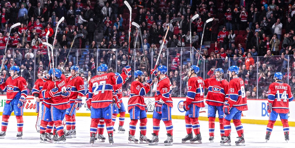MONTREAL CANADIENS UNSIGNED 14X28 CANVAS STICK SALUTE