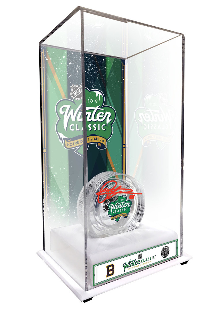 Patrick Kane Autographed 2019 NHL Winter Classic Boston Bruins vs. Chicago  Blackhawks Crystal Puck - Filled with Ice From The 2019 Winter Classic 695807828