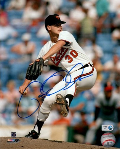 Photo of Gregg Olson Autographed 8x10