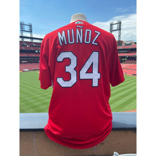 Photo of Cardinals Authentics: Team Issued Yairo Munoz Red BP Jersey