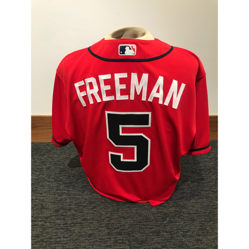 Photo of Freddie Freeman 2019 Atlanta Braves Game-Used Los Bravos Day Jersey