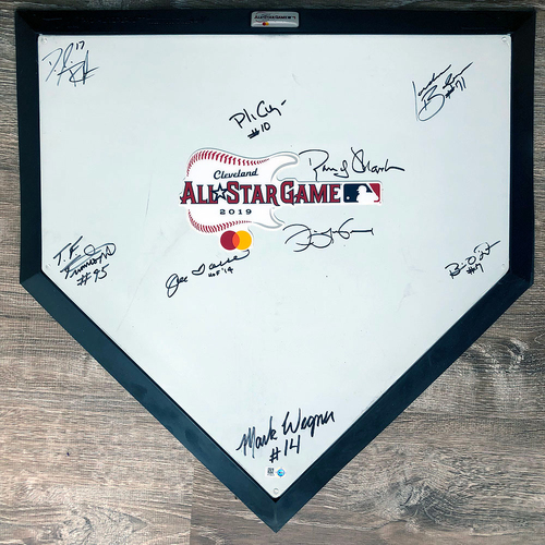 Photo of UMPS CARE AUCTION: 2019 All-Star Game Commemorative Plate Signed by the Umpiring Crew and Joe Torre