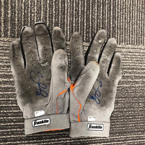 Photo of 2017 Autographed Batting Gloves - #48 Pablo Sandoval