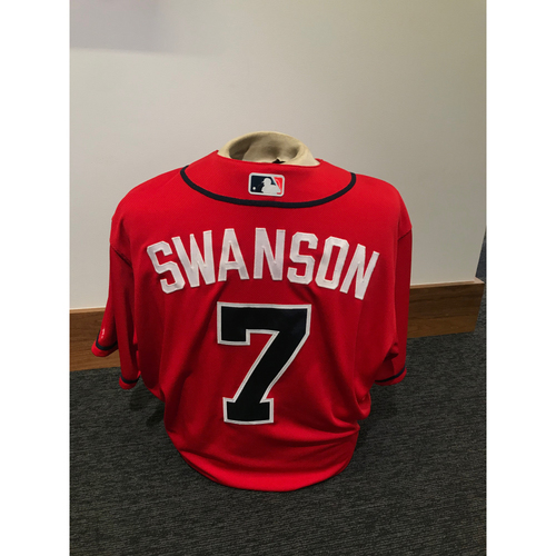Photo of Dansby Swanson 2019 Atlanta Braves Game-Used Los Bravos Day Jersey