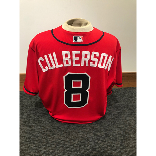 Photo of Charlie Culberson 2019 Atlanta Braves Game-Used Los Bravos Day Jersey