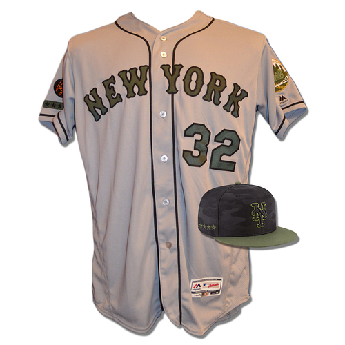 Photo of Steven Matz #32 - Game Used Road Grey Memorial Day Jersey and Hat - Mets vs. Braves - 5/28/18