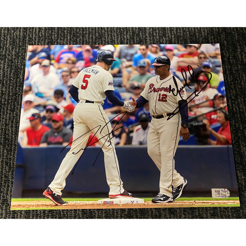 Photo of Freddie Freeman and Eddie Perez MLB Authenticated and Autographed 8x10 Photo