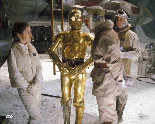 Princess Leia Organa, C-3PO and Major Bren Derlin