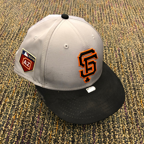 Photo of 2018 San Francisco Giants - 2018 Team Issued Gray Spring Training Cap - #35 Brandon Crawford