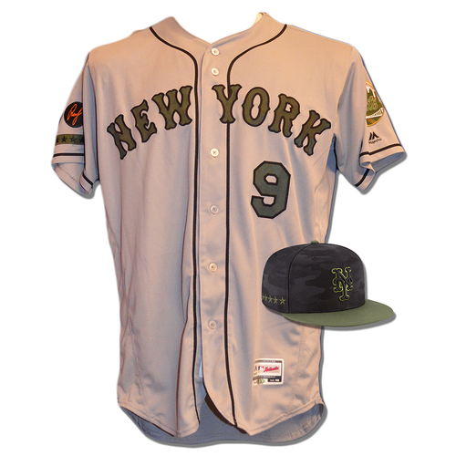 Photo of Brandon Nimmo #9 - Game Used Road Grey Memorial Day Jersey and Hat - Mets vs. Braves - 5/28/18