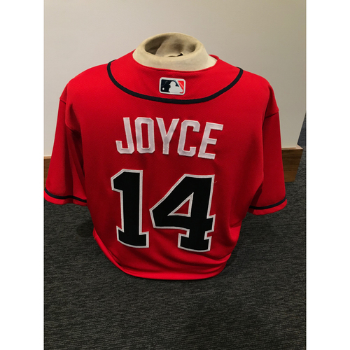 Photo of Matt Joyce 2019 Atlanta Braves Game-Used Los Bravos Day Jersey