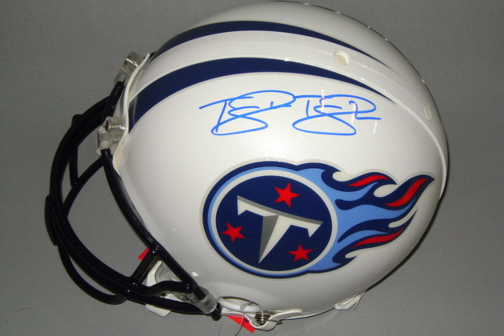 NFL - Titans Taywan Taylor signed Titans proline helmet