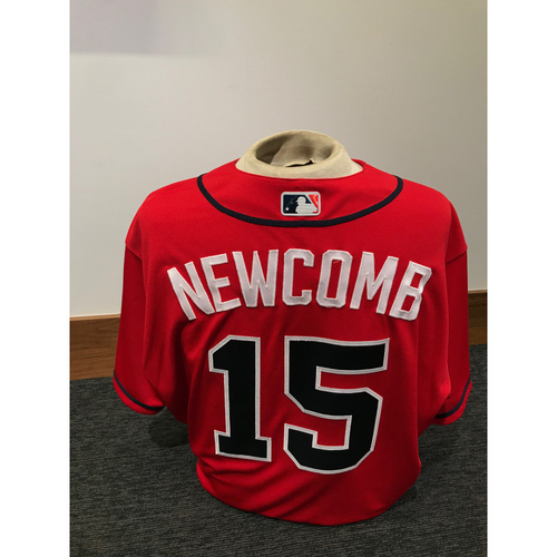Photo of Sean Newcomb 2019 Atlanta Braves Game-Used Los Bravos Day Jersey