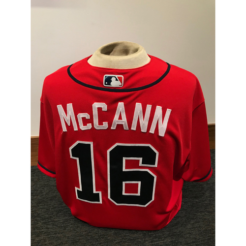 Photo of Brian McCann 2019 Atlanta Braves Game-Used Los Bravos Day Jersey