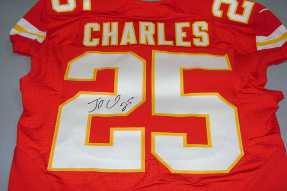 CHIEFS - JAMAAL CHARLES SIGNED AUTHENTIC CHIEFS JERSEY - SIZE 42