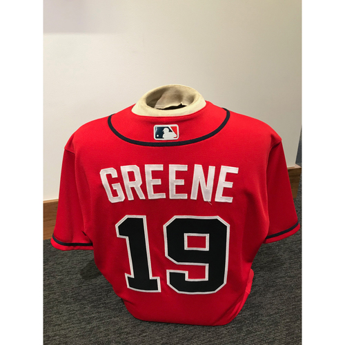 Photo of Shane Greene 2019 Atlanta Braves Game-Used Los Bravos Day Jersey
