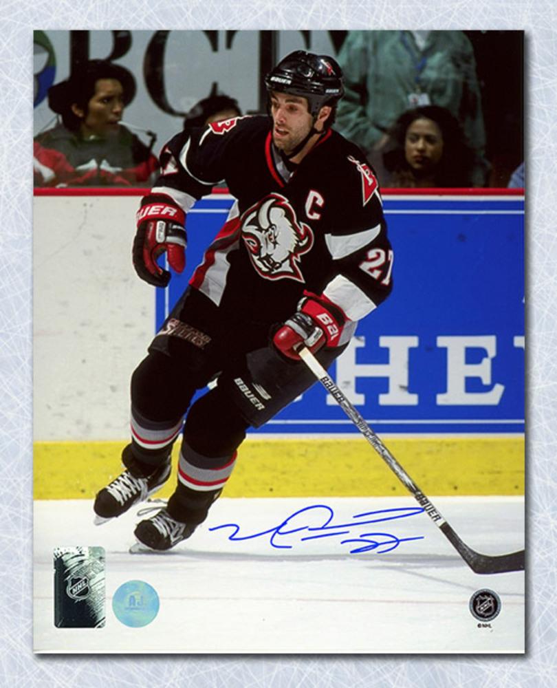 Mike Peca Buffalo Sabres Autographed Captain 8x10 Photo