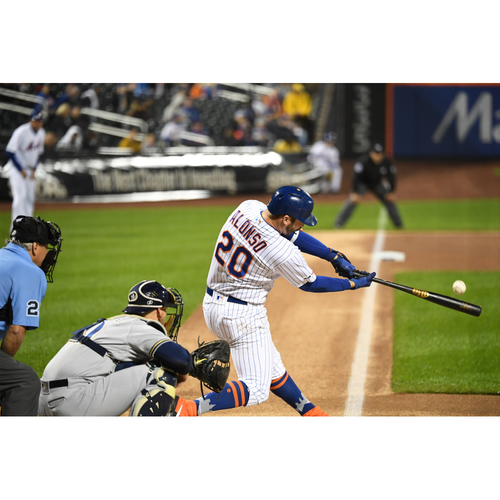 Photo of Amazin' Auction: Play catch with Pete Alonso on the field before a Mets home game