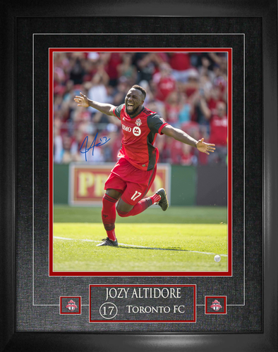 16x20 Jozy Altidore Signed Photo Framed