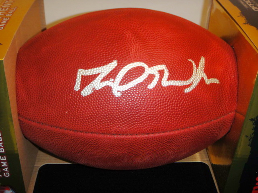 NFL - DAVID WILSON SIGNED AUTHENTIC FOOTBALL