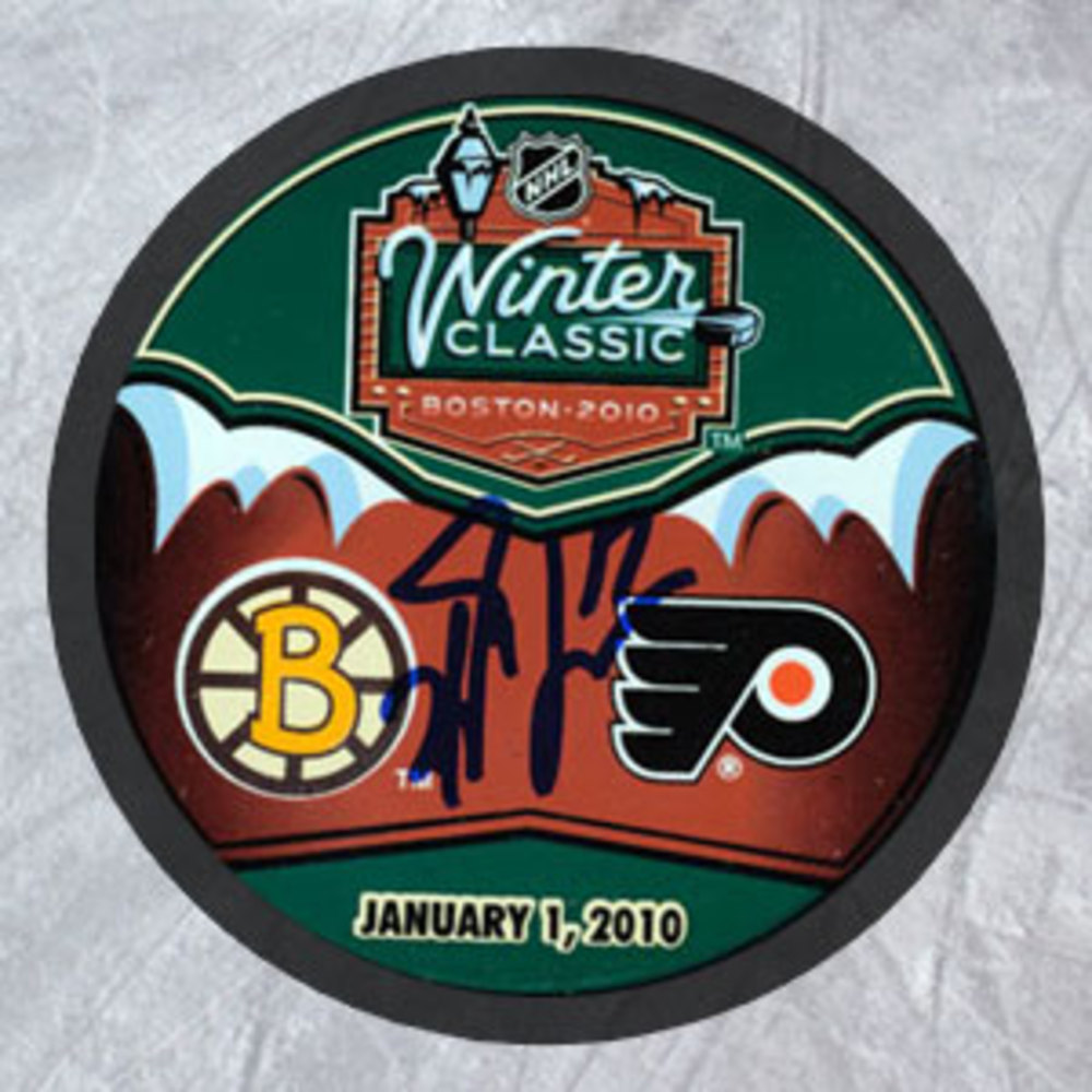 MILAN LUCIC 2010 Boston Winter Classic SIGNED Puck