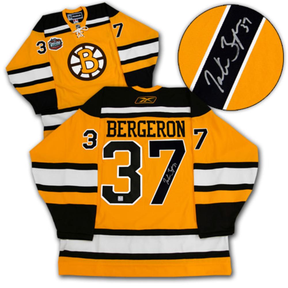 PATRICE BERGERON Boston Bruins SIGNED Winter Classic Jersey