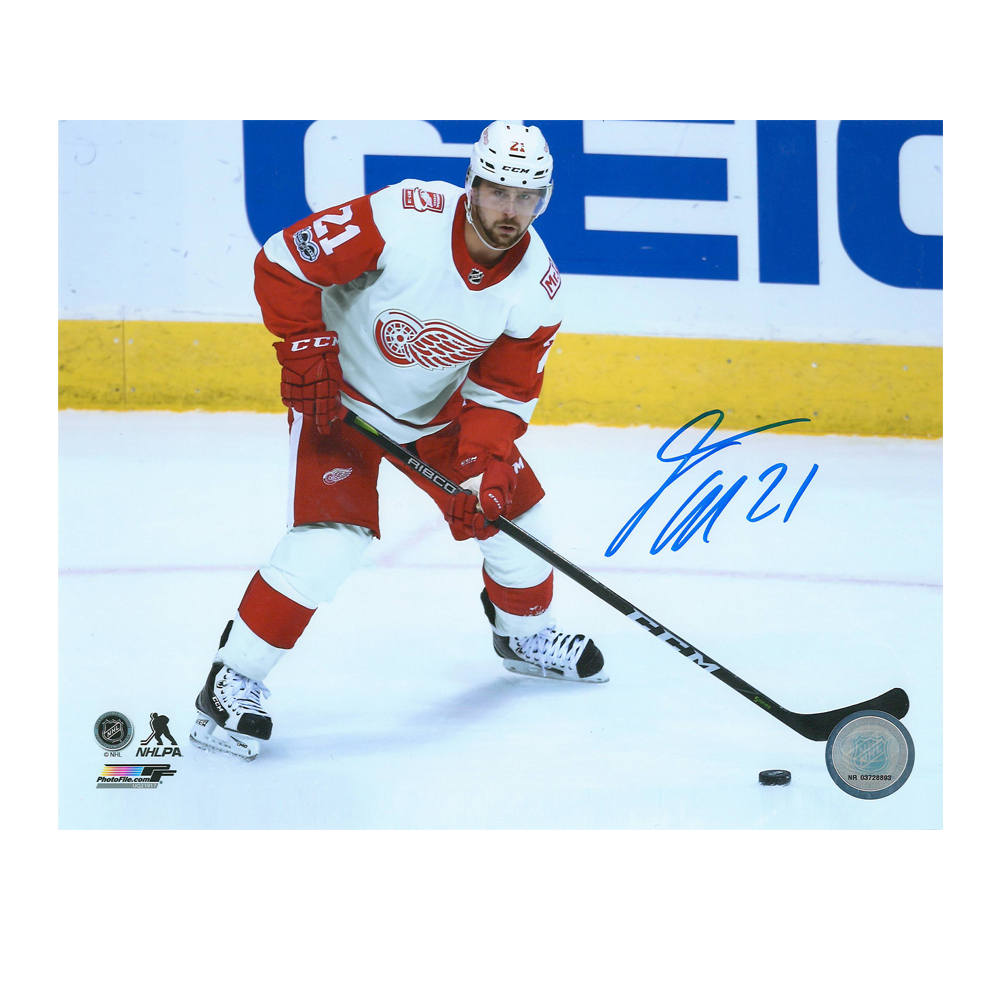 TOMAS TATAR Signed Detroit Red Wings 8 X 10 Photo - 70398A