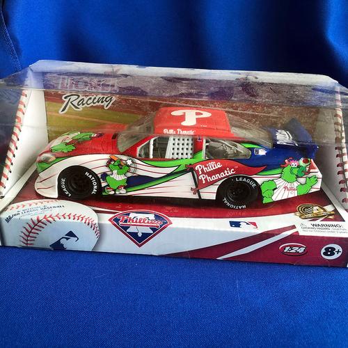 Photo of UMPS CARE AUCTION: Lionel Racing 1:24 Philadelphia Phillies Stock Car